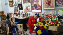 Man Inherits 13,000-Piece Clown Collection