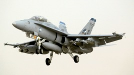 F-18 Makes Emergency Landing in Chicago