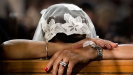 Egypt: Muslim Mob Attacks Christians, Parade Naked Woman