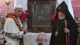Vatican Responds to Turkey for Calling Pope 'Crusader'