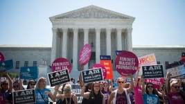 Supreme Court Strikes Down Texas Abortion Rules