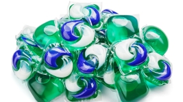 YouTube, Facebook Work to Remove 'Tide Pod Challenge' Videos