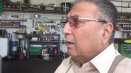 """""""God Bless Him:"""" Calif. Gas Station Hostage Describes """"Nice"""" Suspect Who Drank Brisk Tea"""