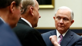 Sessions Seeks Balance in Pondering Clinton Probe: Analysis