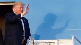 Trump Hits the Road, Hoping Rally Speeches Overcome Troubles