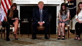 'Fix It!': Students Plead for Gun Safety to Trump at WH