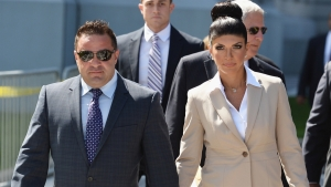 'Real Housewives' Husband Gets Reprieve in Deportation Fight