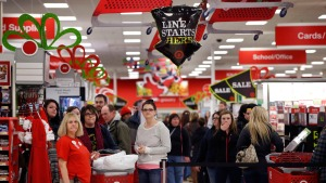 Black Friday: 4 Key Tips Before You Hit Stores