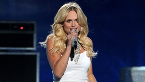 Soldier's Heartfelt Sign Brings Miranda Lambert to Tears During Show