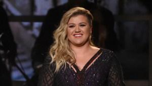 Kelly Clarkson, Chris Stapleton to Perform at CMT Awards