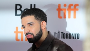 Drake Gives Away $1 Million in 'God's Plan' Video