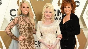 Stars Light Up the 2019 CMA Awards Red Carpet