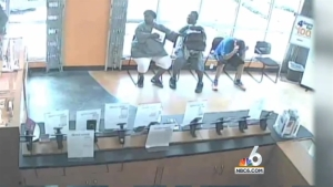 Armed Thieves Rob Pembroke Park Metro PCS Store With Rifle