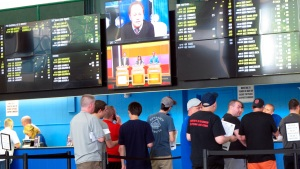 Horse Racing Weighs Changes to Compete With Sports Gambling
