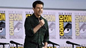 Tom Cruise Surprises Comic-Con With 'Top Gun' Sequel Trailer