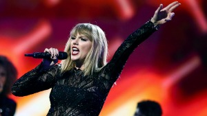Taylor's Back: Swift Resurfaces After Social Media Blackout