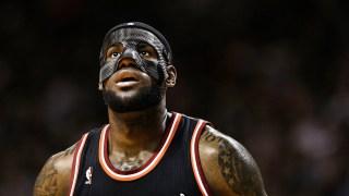 James Scores 31 in a Mask, Heat Roll Knicks