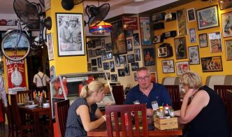 Cuba Suspends New Licenses For Private Restaurants