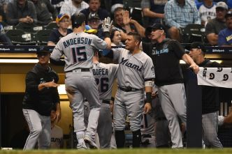 Anderson Hits Grand Slam as Marlins Beat Milwaukee Brewers