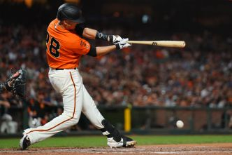 San Francisco Giants Combine on 4-Hitter to top Marlins