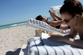 New Florida Law Reignites Beach Access Fight in Panhandle
