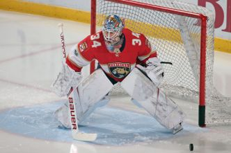 James Reimer Makes 46 Saves as Panthers Shutout Boston