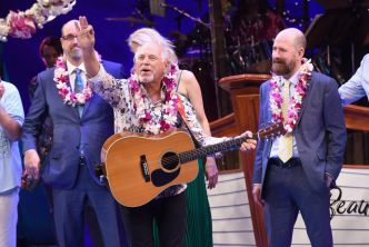 Jimmy Buffett To Host Free Concert In Hollywood