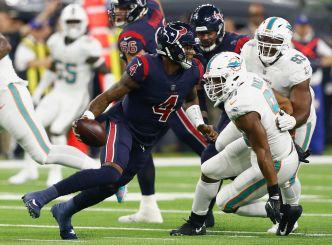 Watson Throws 5 TDs as Houston Blows Out Miami Dolphins