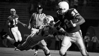 Joe Auer, Who Scored on Miami Dolphins' 1st Play, Dies at 77