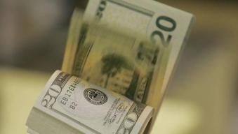 Florida Busboy Finds, Returns Purse Containing $1,500