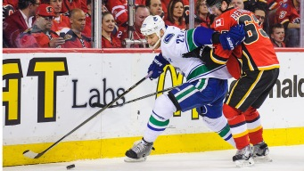 Flames Handle Canucks, 3-1, to Take Series Lead