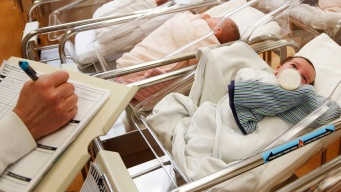 Fewer Babies as US Birth Rate Fails to Rebound With Economy