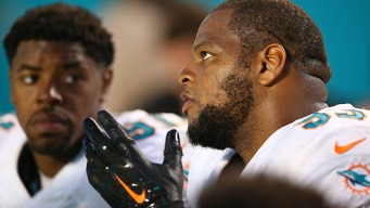 Dolphins' Suh and Wake Named to Pro Bowl