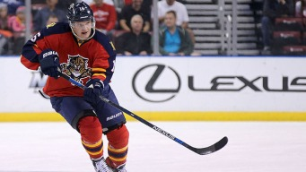 Panthers Top Flyers in Shootout
