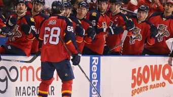 Jagr Helps Panthers Extend Record Streak to Nine Games