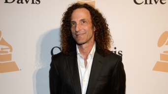 Kenny G Gives Impromptu Concert on Florida Flight
