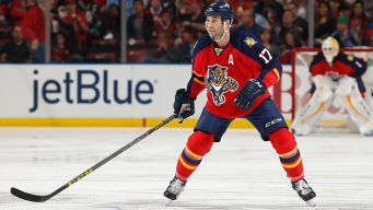 Panthers Sign MacKenzie to Two-Year Extension