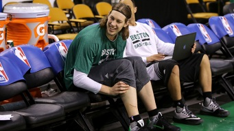 Heat Agree to Four-Year Deals With Olynyk, Johnson: Reports