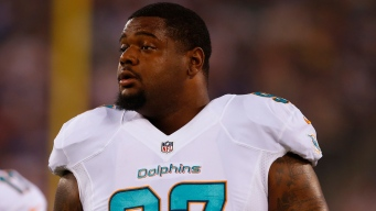 Dolphins DT Phillips Released After Angry Sideline Outburst