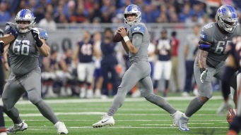 Stafford-Led Lions Beat Bears 20-10, Stay in Playoff Picture