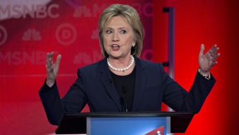 Clinton '100 Percent Confident' Emails Won't Hurt Campaign