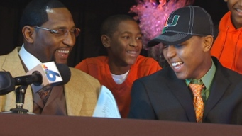 Ray Lewis III Signs with University of Miami