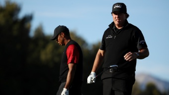 Phil Mickelson Tops Tiger Woods in $9 Million Golf Match