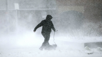 Nor'easter, Blizzard Conditions Sock Winter-Weary New England