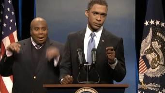 """Obama Battles Fake Interpreter, Selfies on """"SNL"""""""
