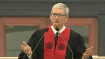 Apple CEO to MIT Grads: Use Your Powers for Good