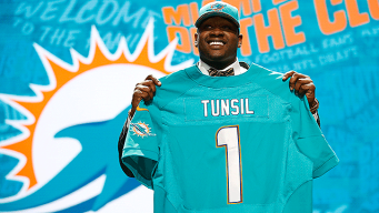 Dolphins' Tunsil Expects to Play Sunday After Shower Mishap