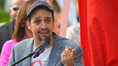 Lin-Manuel Miranda Helps Women Celebrate Galentine's Day