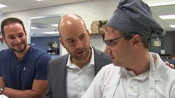 Autism At Center Of New Prime Time Tv >> Man With Autism Serving Smiles At Local Restaurant Nbc 6 South Florida