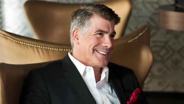 "Q&A: ""Mad Men's"" Bryan Batt Gives Design Tips and Reveals Bar Secrets"